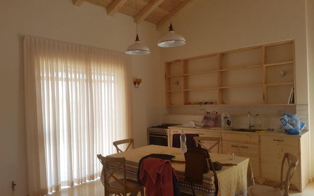 בית כפרי וילון בסלון