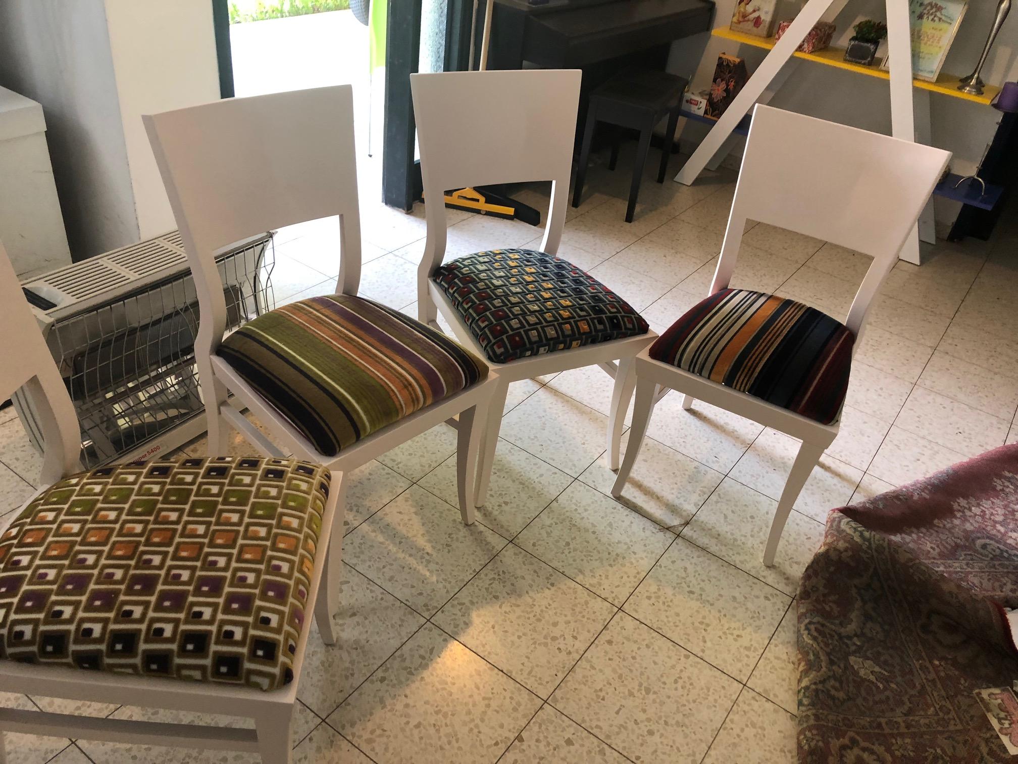 כסאות פינת אוכל שוני בדים