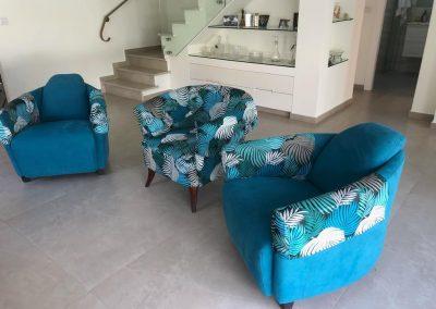 כורסאות יחיד בטורקיז, רחובות